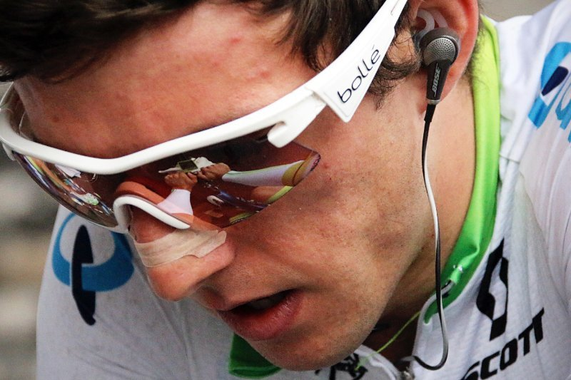 cyclist handling pain